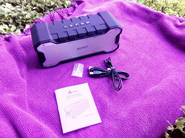 The Aukey SK-M12 Bluetooth Speaker Review in 2019